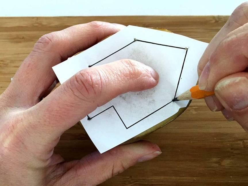 4.pencil-poke
