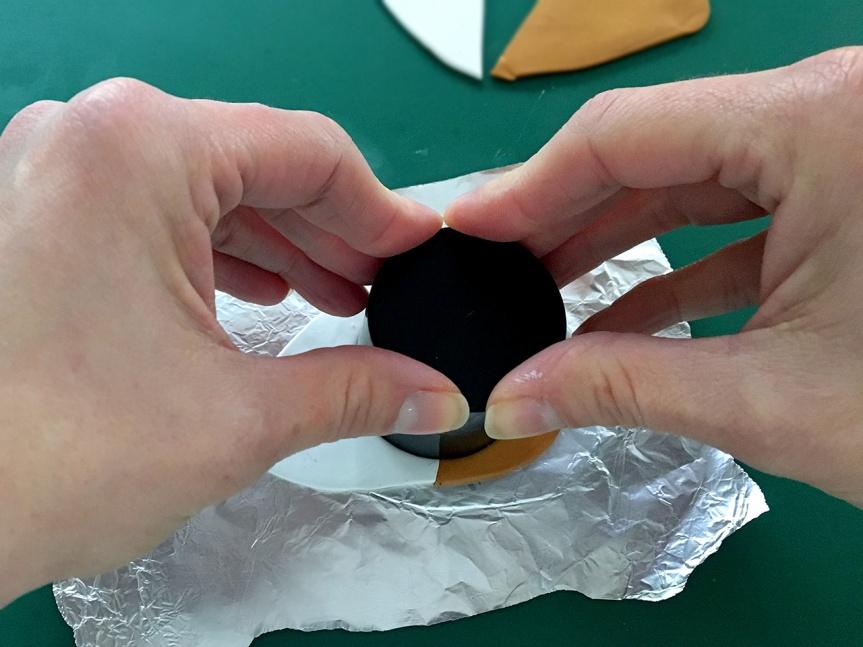 1.pressing-circle